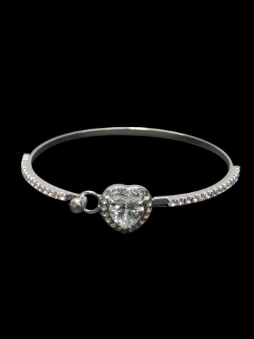 https://d38jde2cfwaolo.cloudfront.net/101240-thickbox_default/archies-women-bracelet.jpg