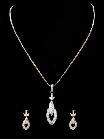 https://static3.cilory.com/123886-thickbox_default/elegant-women-necklace.jpg