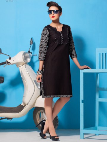 https://d38jde2cfwaolo.cloudfront.net/136796-thickbox_default/kalapriya-black-cotton-lawn-kurti.jpg
