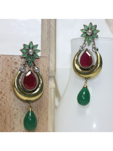 https://static2.cilory.com/15270-thickbox_default/elegant-designer-earrings.jpg