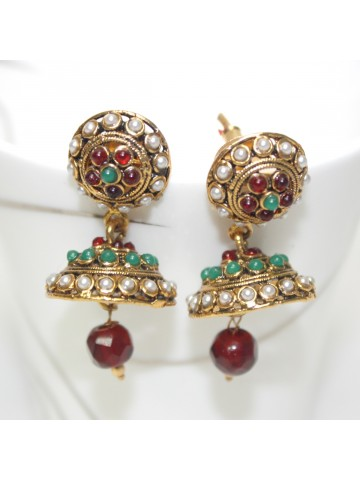 https://static7.cilory.com/25431-thickbox_default/elegant-polki-earrings-carved-in-stone-and-beads.jpg