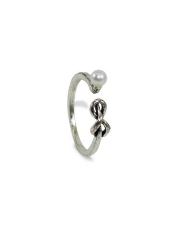 https://static4.cilory.com/390961-thickbox_default/silver-color-oxidised-ring.jpg