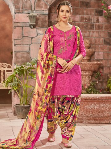 https://static3.cilory.com/403355-thickbox_default/pink-cotton-un-stitched-suit.jpg