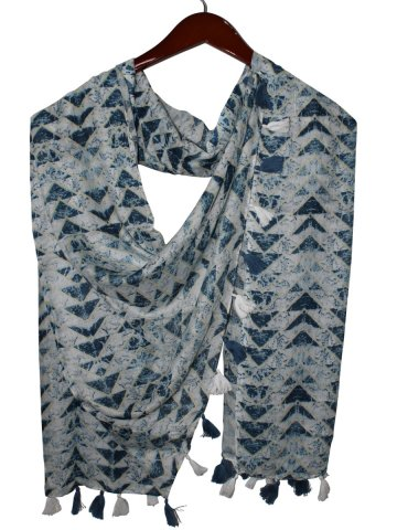 https://static1.cilory.com/407385-thickbox_default/estonished-printed-stole-with-tassels.jpg