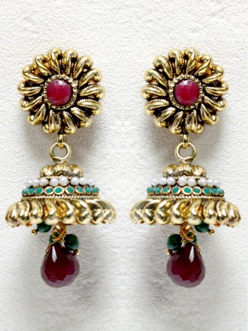 https://static7.cilory.com/41950-thickbox_default/ethnic-polki-work-earrings-carved-with-stone-and-beads.jpg