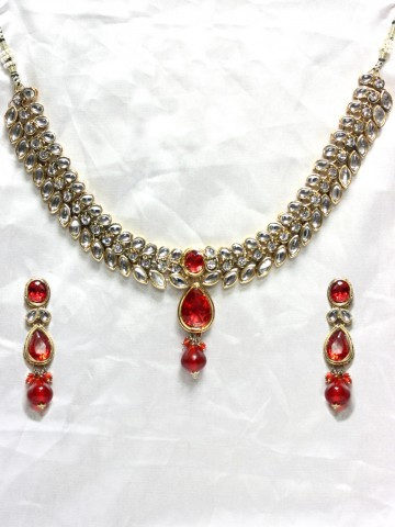 https://static8.cilory.com/44198-thickbox_default/ethnic-kundan-work-necklace-set-carved-with-stone-and-beads.jpg