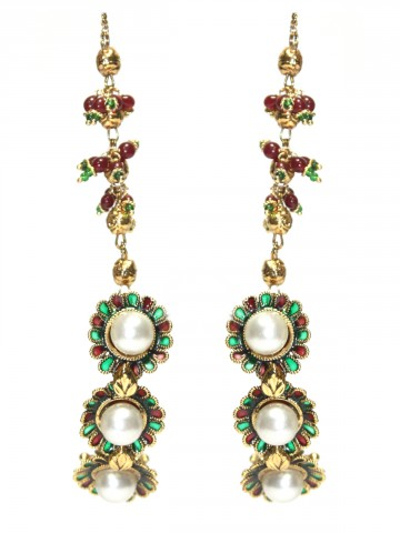 https://static8.cilory.com/44346-thickbox_default/elegant-polki-work-earrings-carved-with-stone-and-beads.jpg