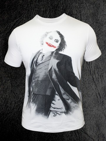 https://static6.cilory.com/75175-thickbox_default/white-joker-round-neck-t-shirt.jpg
