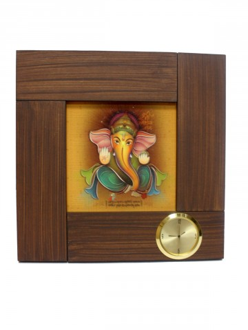 https://static6.cilory.com/85861-thickbox_default/shri-ganesha-wall-clock.jpg